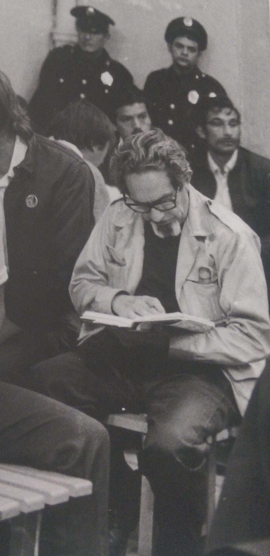 Revueltas leyendo lecumberri